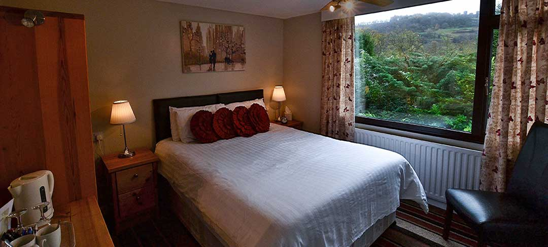 matlock-Bed-and-breakfast-room2