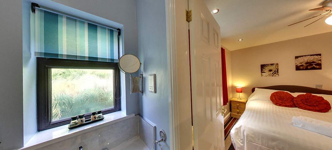 matlock-Bed-and-breakfast-room4-bath