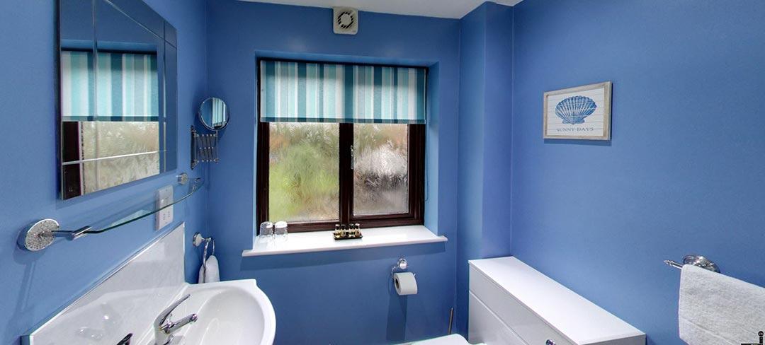 matlock-Bed-and-breakfast-room5-bath